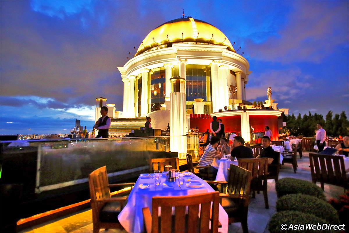 القبه المتواجدة اعلى البرج من مطعم سايركو