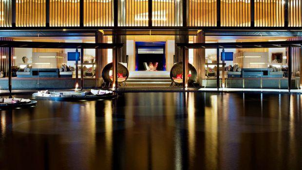 صورة للوبي فندق دبليو ريتريت