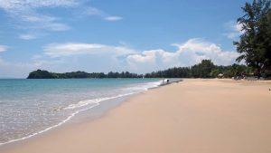 شواطئ كوه لانتا الساحرة