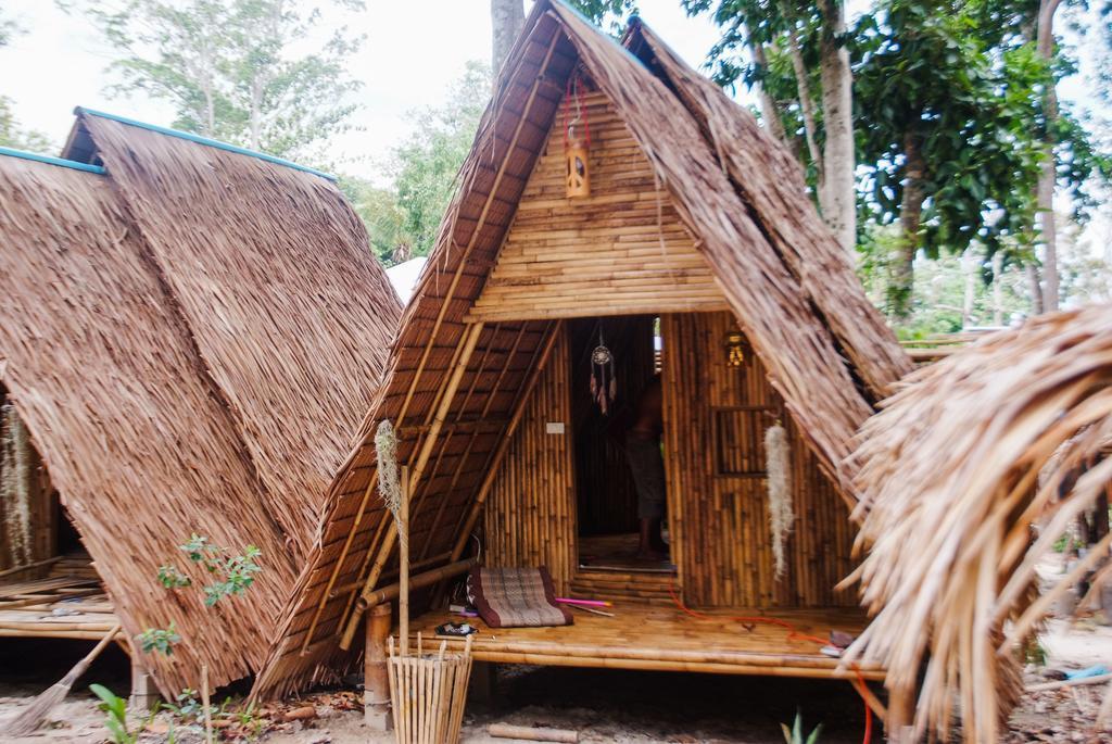 - فندق ليب كامبينغ زون فنادق جزيرة كوه ليب reggae-style Lipe Camping Zone